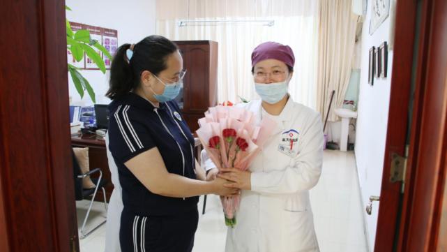 石家庄蓝天中医院:情暖五月天 感恩母